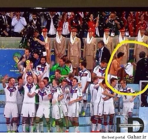 article26911171FA110 500x474 مسعود اوزیل پیراهن خود را به ریحانا داد