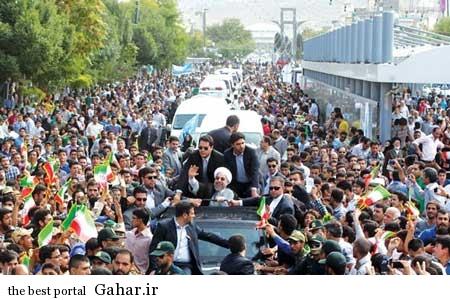 9306 7s1293 استقبال چشمگیر مردم مشهد از روحانی