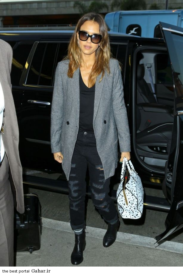 jessica alba casual style at lax airport in los angeles oct 2014 10 عکس های جسیکا البا در لس انجلس