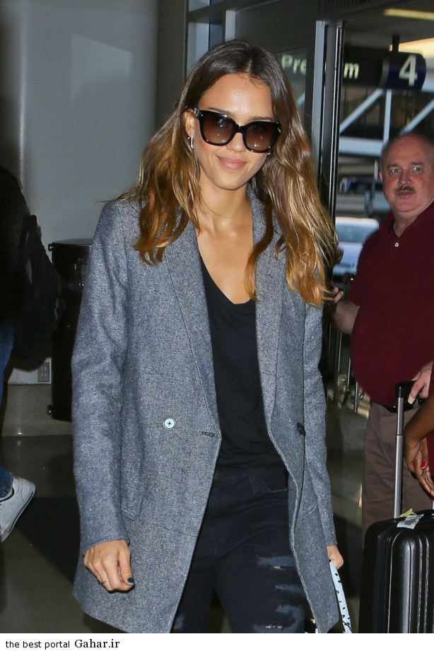 jessica alba casual style at lax airport in los angeles oct 2014 11 عکس های جسیکا البا در لس انجلس