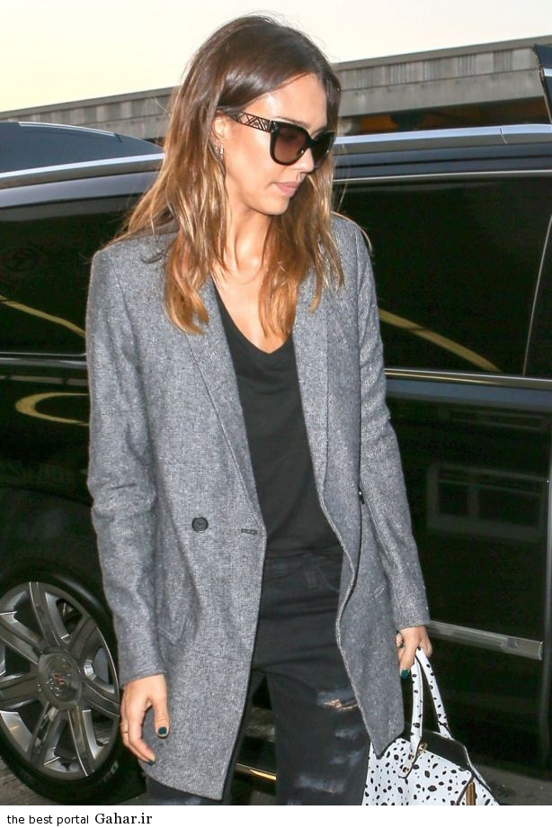 jessica alba casual style at lax airport in los angeles oct 2014 7 عکس های جسیکا البا در لس انجلس