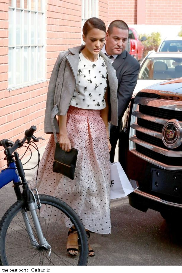 jessica alba heads to a production building for a meeting in los angeles october 2014 10 عکس های جسیکا آلبا در لس انجلس