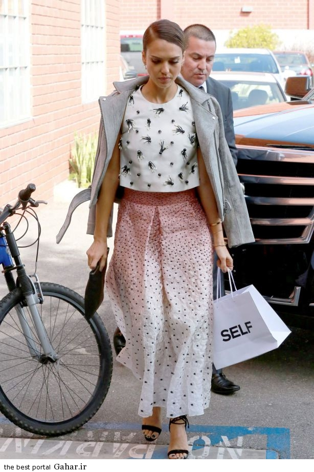 jessica alba heads to a production building for a meeting in los angeles october 2014 12 عکس های جسیکا آلبا در لس انجلس