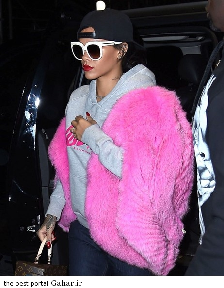 Rihanna Out And About In NYC CvDAcdH6IzBl سری جدید عکس های ریحانا