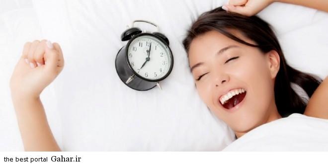 Morning alarm clock by bed 1140x641 660x330  ۸ استراتژی برای استفاده موثر از اوقات صبح