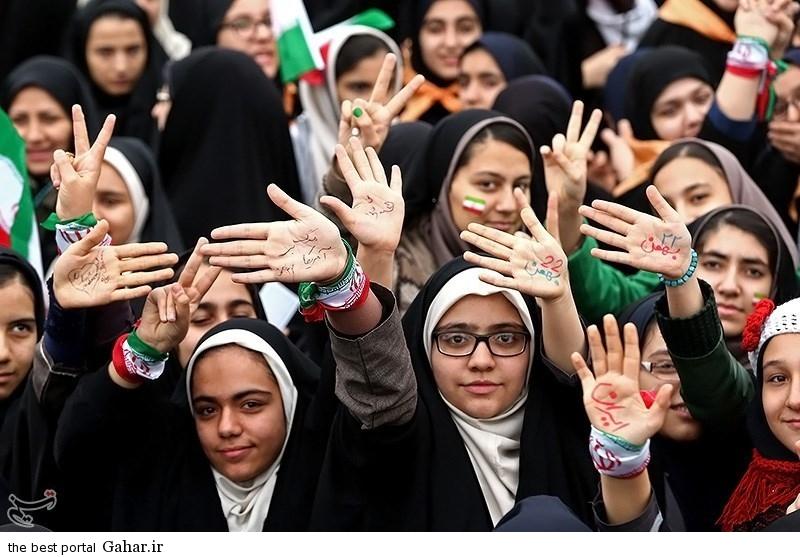 139311221107209054726544 عکس دختران ایرانی در راهپیمایی 22 بهمن 93 میدان آزادی