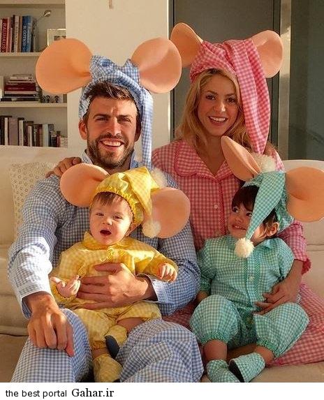 interesting clothes pique and his wife on halloween عکس های شکیرا و پیکه و فرزندانشان در جشن هالووین