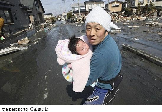 nejat koodak 1 عکس / نجات معجزه آسای کودک 4 ماهه از زیر آوار پس از 3 روز