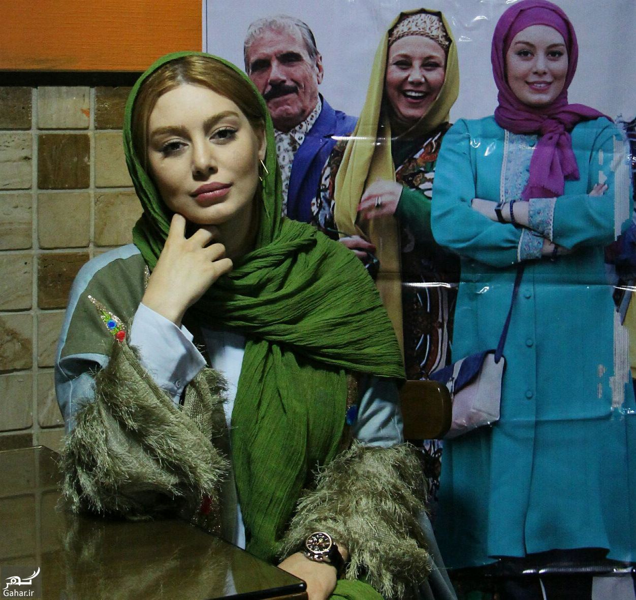 170424 Gahar ir عکس های اکران مردمی «پا تو کفش من نکن» با حضور سحر قریشی در مشهد