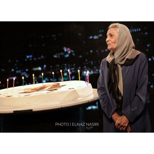 397247 Gahar ir 624x624 عکس های دیدنی از تولد 90 سالگی بانو ژاله علو در اختتامیه فیلم شهر