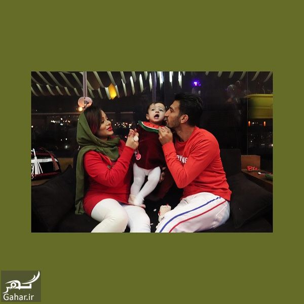 513448 Gahar ir عکسهای دیدنی حسین ماهینی به همراه همسر و دخترش با تیپ یلدایی