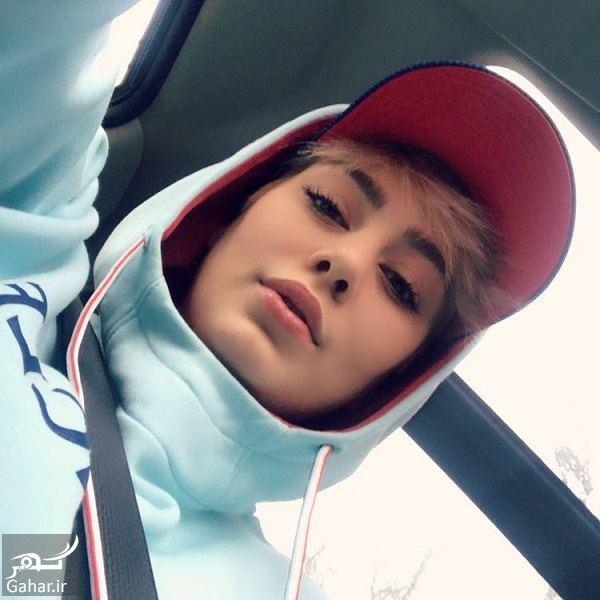 661963 Gahar ir عکس سلفی خانم بازیگر داخل ماشین با لباس ورزشی