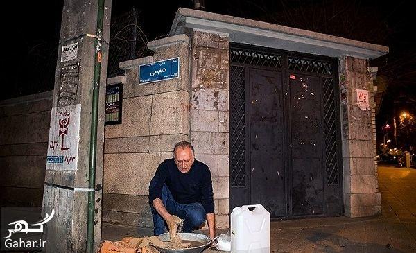 943593 Gahar ir گل گرفتن درب شورای صنفی نمایش توسط احمد نجفی به نشانه اعتراض