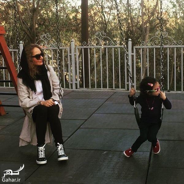 738865 Gahar ir عکس متفاوت مهناز افشار و دخترش در پارک