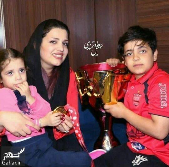 544853 Gahar ir عکس خانواده هادی نوروزی بعد قهرمانی پرسپولیس با جام