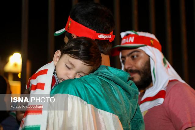 691909 Gahar ir عکسهای استقبال پرشور مردم از کاروان تیم ملی در فرودگاه امام خمینی