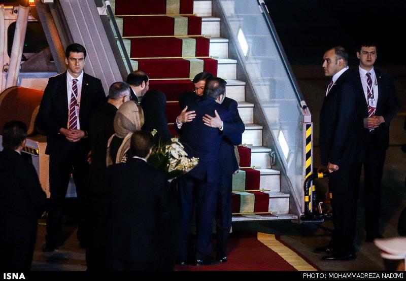 1457245837 عکس های نخست وزیر ترکیه و همسرش در فرودگاه مهرآباد