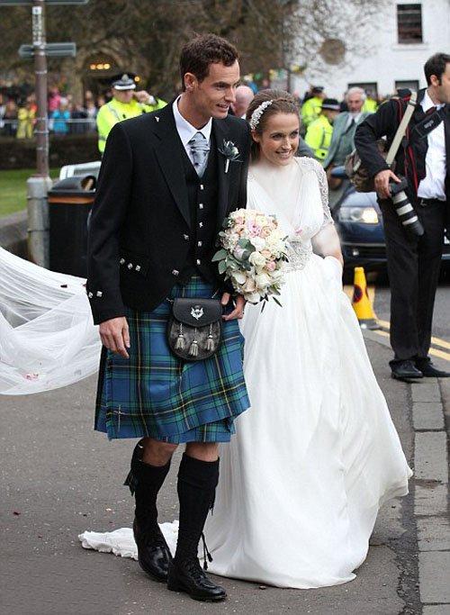 1461854560 مراسم ازدواج اندی ماری در هتل 5 ستاره خودش