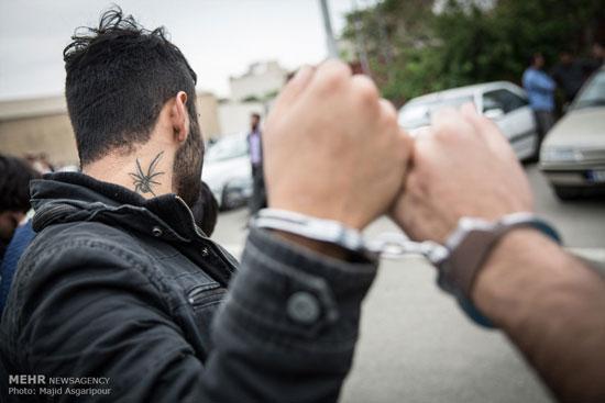 1462260244 عکس های بازداشت 131 سارق در تهران
