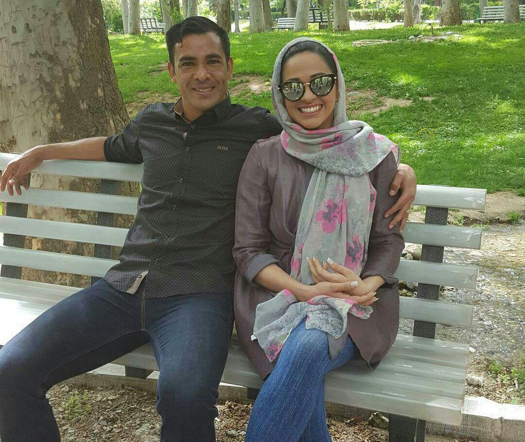 1462655775 عکس مدافع تیم پرسپولیس و همسرش در پارک