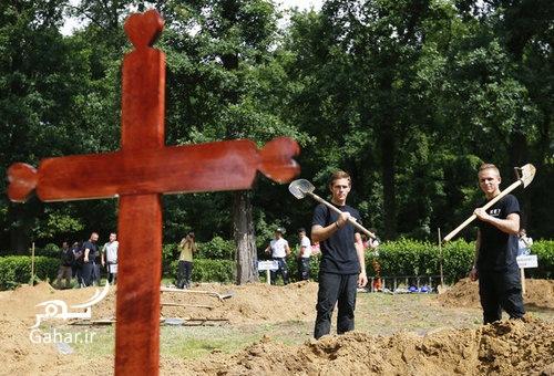 1467732061 مسابقه قبرکنی در دبرکن ؛ عکس