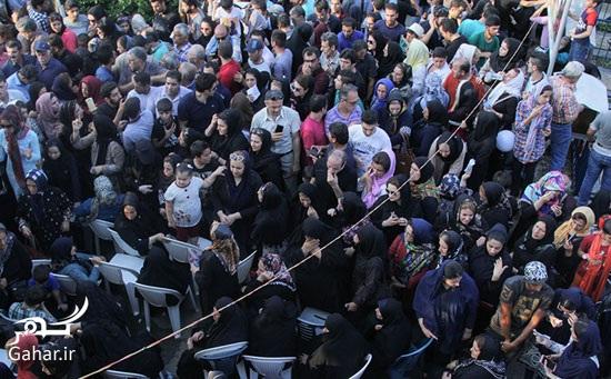 1469095102 عکس های مراسم چهلم حبیب محبیان با حضور مردم و بازیگران