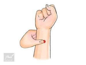 1476675227 طب فشاری : تسکین دردهای بدن با فشار دادن این نقاط