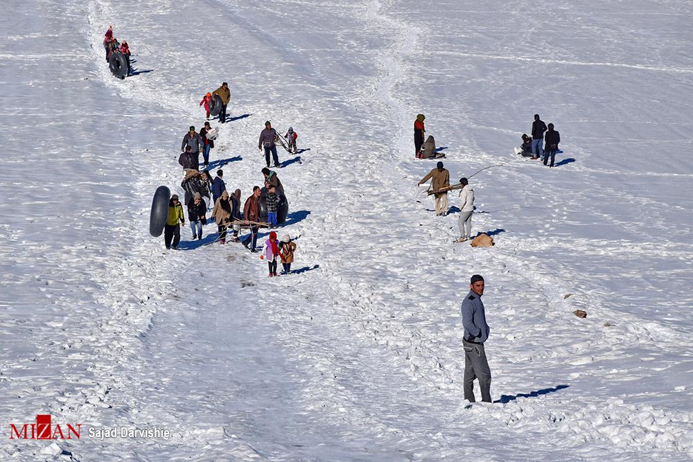 1487427938 عکس های دیدنی مردم در برف زمستانی لرستان