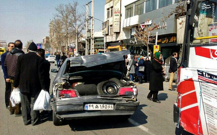 1487760318 حادثه ناگوار در کرج رخ داد ؛ برخورد اتوبوس با عابران / عکس