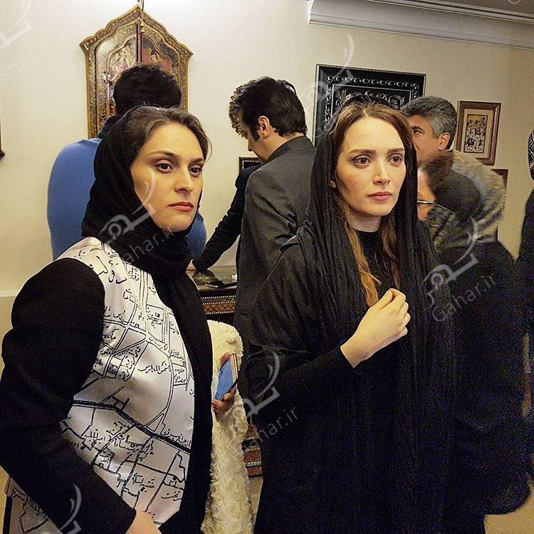 1489507348 حضور بازیگران در منزل مرحوم علی معلم / عکس