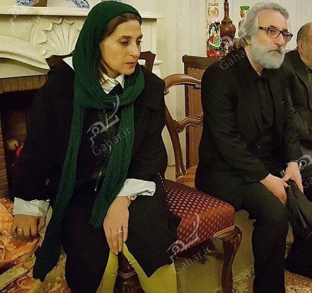 1489548022 حضور بازیگران در منزل مرحوم علی معلم / عکس