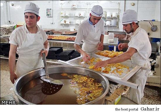 عکس های دیدنی از کارگاه پخت زولبیا و بامیه, جدید 1400 -گهر