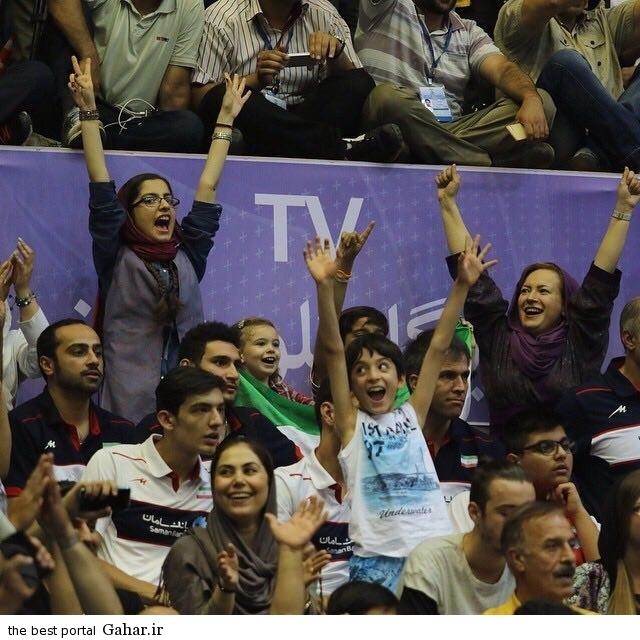 عکس حضور چند تماشاگر زن در بازی والیبال ایران و آمریکا, جدید 1400 -گهر