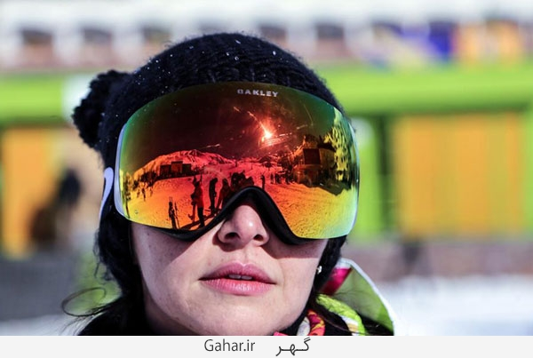 pisteski1 عکس ; پوشش عجیب زنان در پیست اسکی دیزین