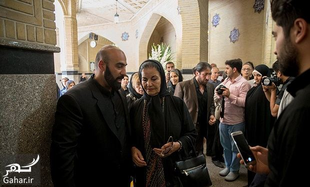 327403 Gahar ir عکسهای بازیگران و هنرمندان در مراسم ختم ناصر ملک مطیعی/ 24 عکس