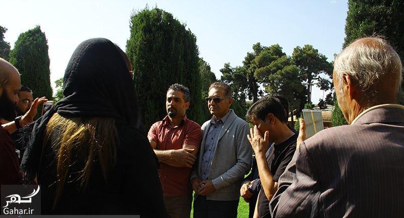 819823 Gahar ir عکسهای مراسم خاکسپاری ناصر چشم آذر با حضور هنرمندان