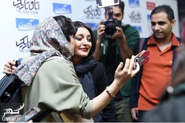 488907 Gahar ir عکسهای ساره بیات در اکران اتاق تاریک