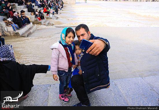 661798 Gahar ir عکسهای زیبا از شور و شوق مردم اصفهان کنار زاینده رود بهمن 97
