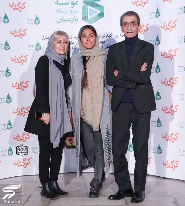 363620 Gahar ir هدی زین العابدین در کنار پدر و خواهرش در اکران کرگدن / 5 عکس