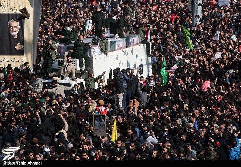 139191 Gahar ir عکسهای مراسم تشییع سردار سلیمانی با حضور باشکوه مردم