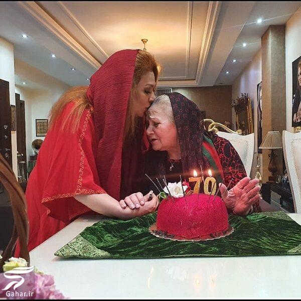 222812 Gahar ir نسرین مقانلو در تولد 70 سالگی مادرش / 5 عکس