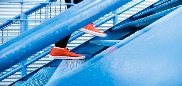 مقایسه کیفیت کفشهای ورزشی از برندهای مختلف, جدید 1400 -گهر