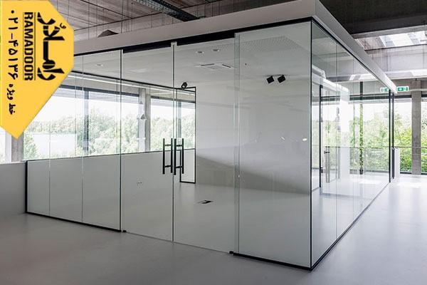 پارتیشن شیشه ای، جذابیت بالا همراه با تغییرات طراحی و دکوراسیون با کمترین هزینه, جدید 1400 -گهر