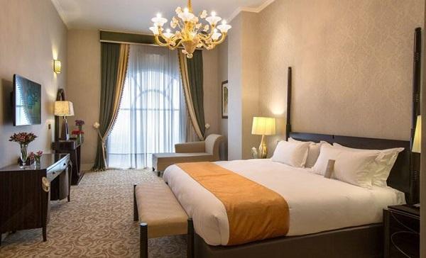آشنایی با سوئیت های هتل اسپیناس پالاس و امکانات ویژه آن ها, جدید 1400 -گهر