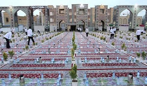 1465988032 عکس: بزرگترین سفره افطاری جهان در مشهد