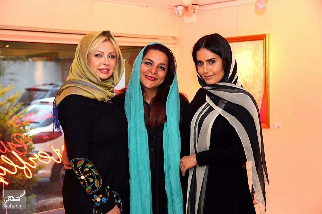 عکس های بازیگران زن ایرانی معروف در یک نمایشگاه, جدید 1400 -گهر