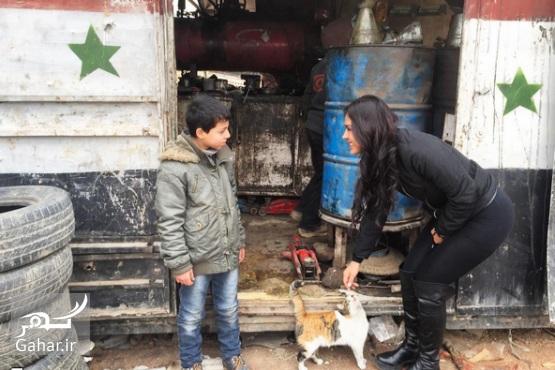1483204630 بازیگر زن آمریکایی برای ساخت مستند به حلب سوریه رفته ؛ عکس