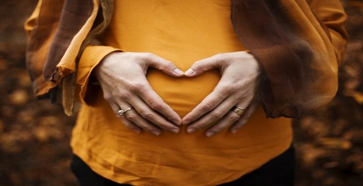 1578940480 7+1 نباید مهم درباره انتخاب لباس برای دوران بارداری